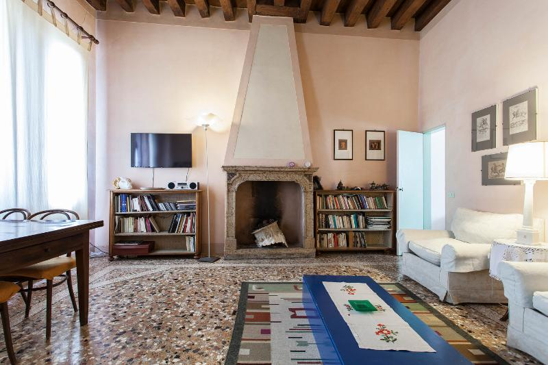 Living Room - Ca' Manin Flat in the center of Venice Italy - Venice - rentals