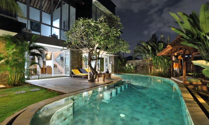 Villa Turkuaz is 5 star in the heart of upmarket Seminyak, 4 bedrooms, dual massage room, 3 staff - Villa Turkuaz Bali - Seminyak - rentals