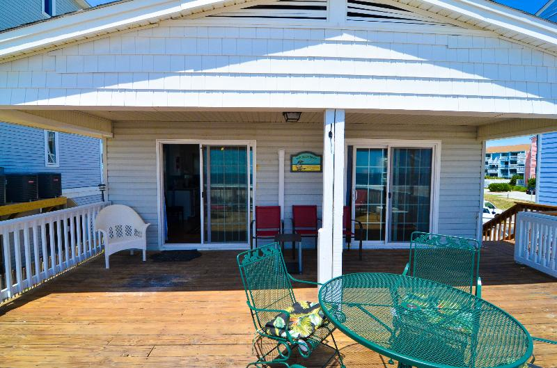 SPEND YOUR ISLAND TIME RIGHT HERE - Island Time- Beautiful 3 Bedroom Oceanfront House - Carolina Beach - rentals