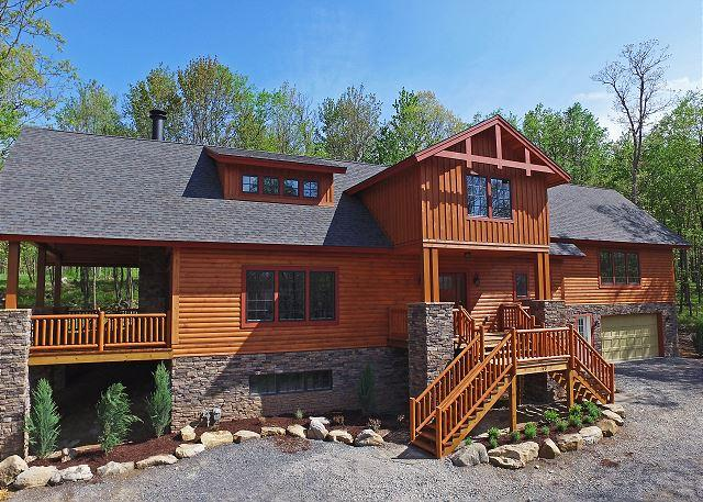 Exterior - Spacious log home on Lodestone Golf Course! - McHenry - rentals