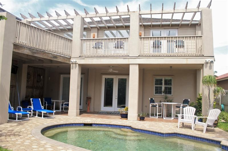 Casa Aries Private island home, pool & backyard! - Image 1 - South Padre Island - rentals