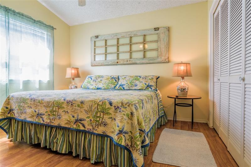 Costa Bella Atrium beach house, ½ block to beach! - Image 1 - South Padre Island - rentals