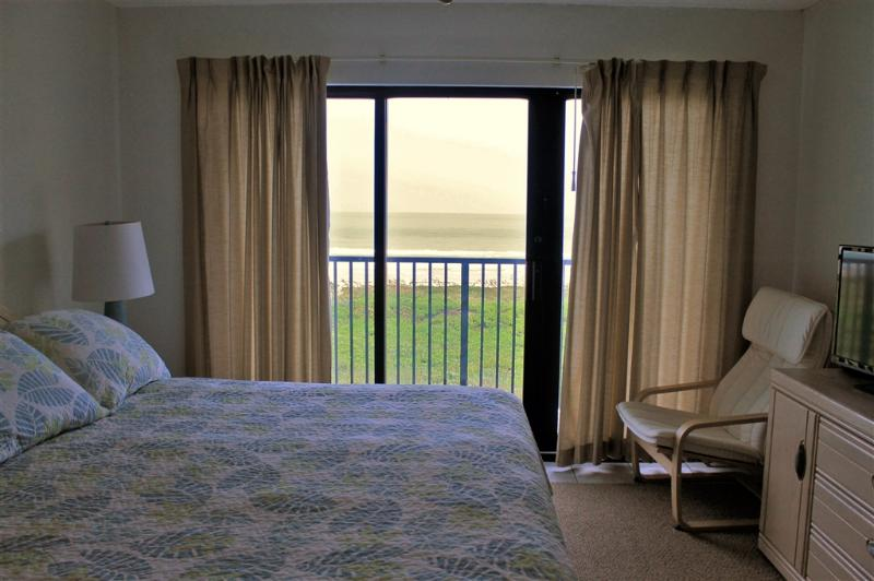 Casual condo, right on the beach! - Image 1 - South Padre Island - rentals