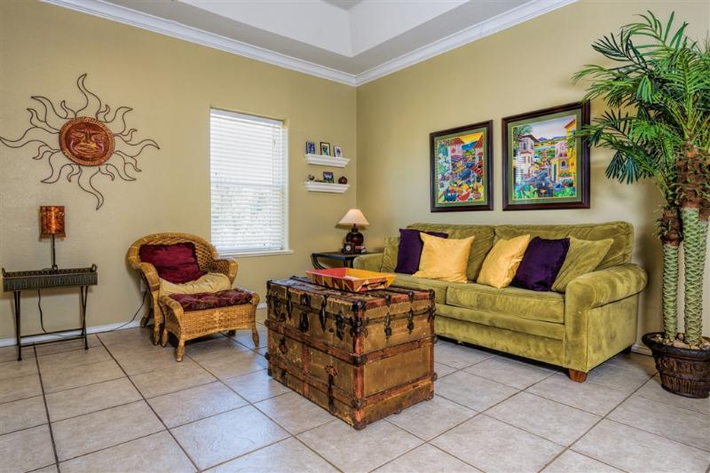 Large courtyard condo, very close to beach! - Image 1 - South Padre Island - rentals