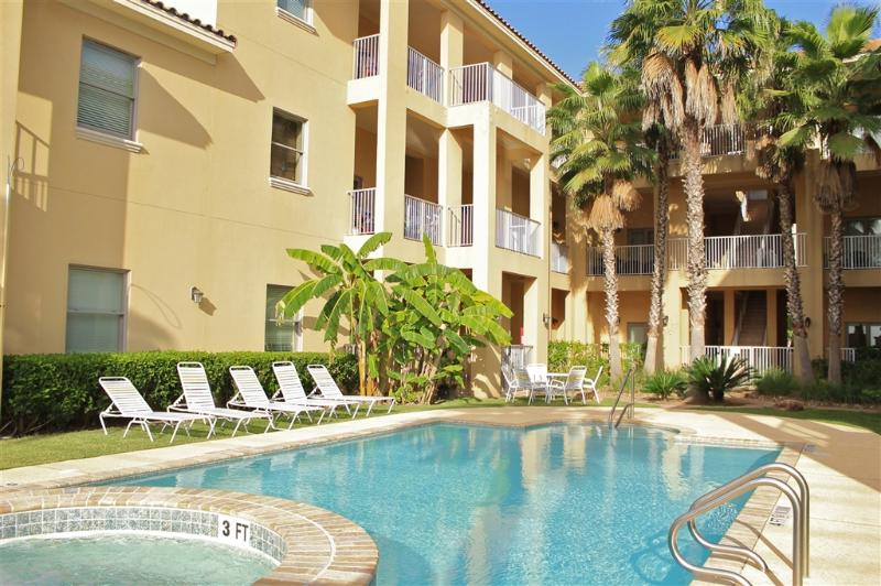 Poolside courtyard condo,close to beach! - Image 1 - South Padre Island - rentals