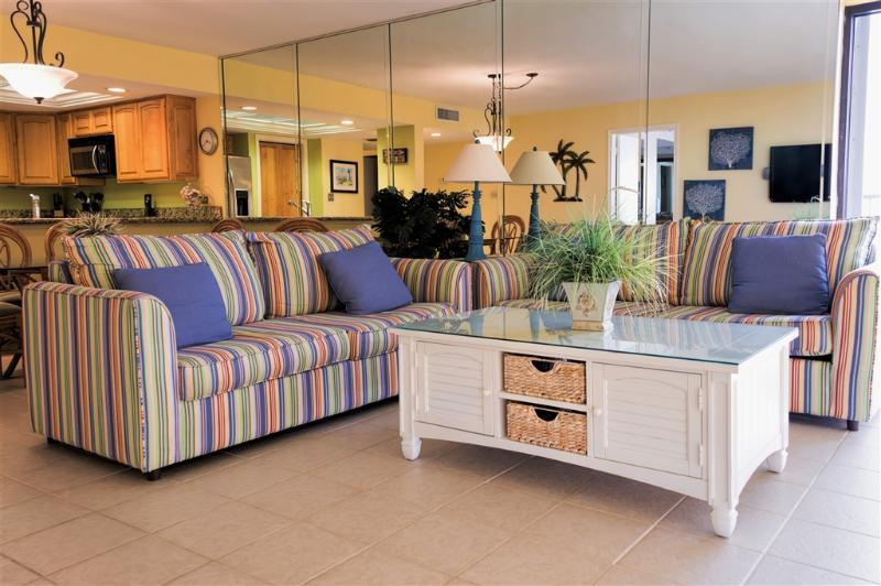 Beachfront corner condo, large balcony! - Image 1 - South Padre Island - rentals