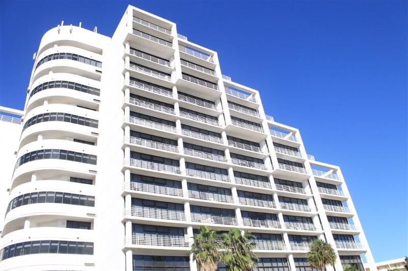 Resort district beachfront, 2 levels, 3 balconies! - Image 1 - South Padre Island - rentals