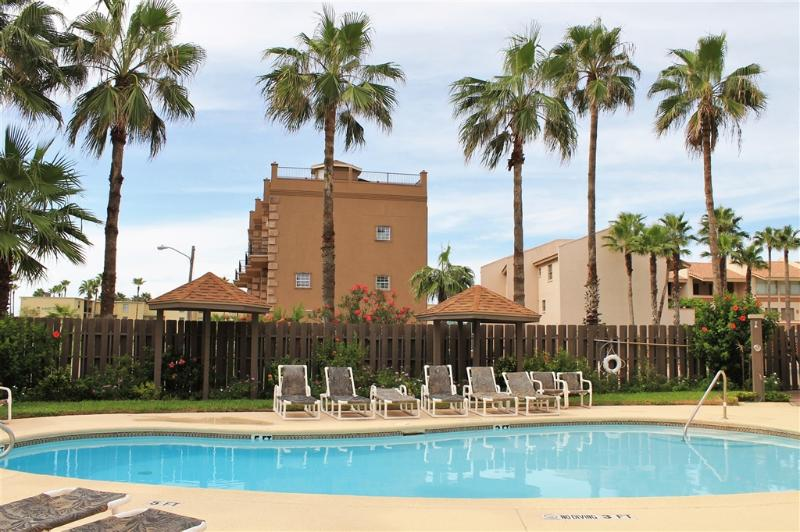 Affordable very close to beach, Surfside 200! - Image 1 - South Padre Island - rentals