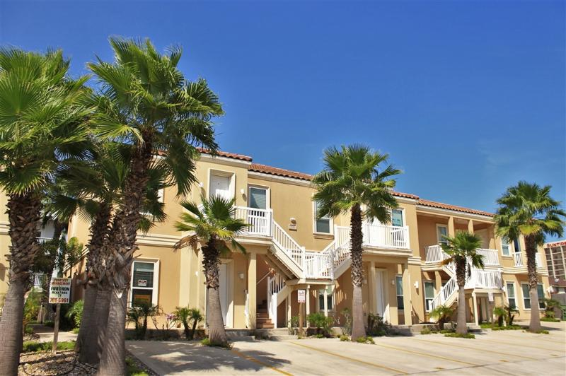 Close to beach, close to everything! - Image 1 - South Padre Island - rentals
