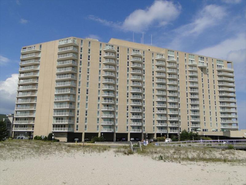 Gardens Plaza Unit #1407 131482 - Image 1 - Ocean City - rentals