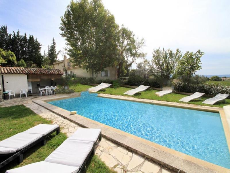 5 bedroom Villa in Aix-En-Provence, Provence, France : ref 1718372 - Image 1 - Aix-en-Provence - rentals