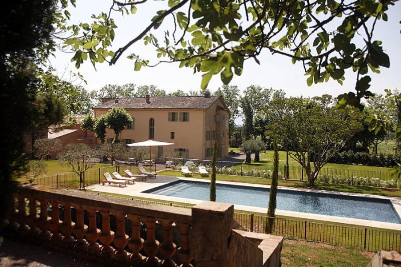 7 bedroom Villa in La Motte, Provence, France : ref 1718696 - Image 1 - La Motte - rentals