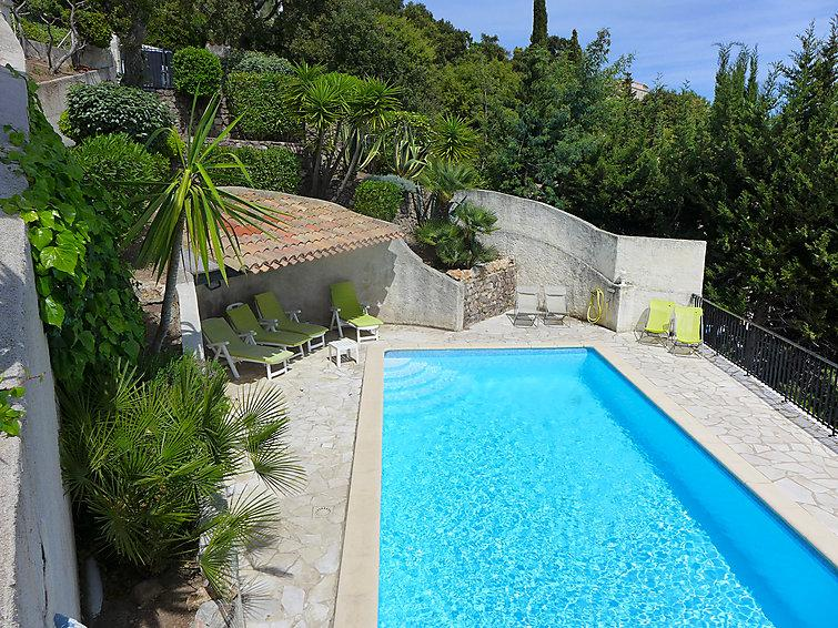4 bedroom Villa in Les Issambres, Cote d'Azur, France : ref 2008303 - Image 1 - Saint-Aygulf - rentals
