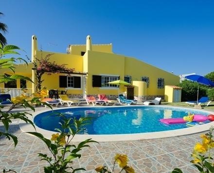 5 bedroom Villa in Albufeira, Algarve, Central Algarve, Portugal : ref 2008972 - Image 1 - Olhos de Agua - rentals