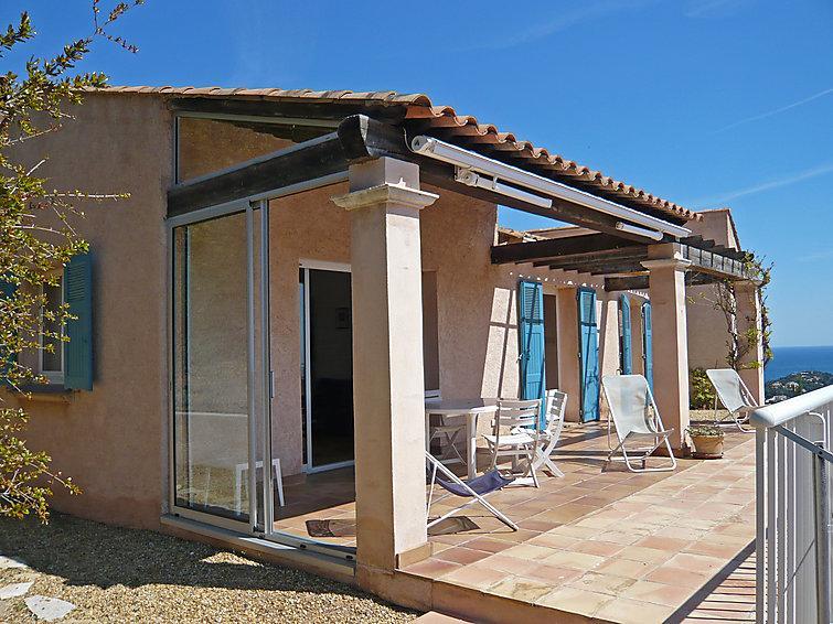 3 bedroom Villa in Cavalaire, Cote d'Azur, France : ref 2012663 - Image 1 - Cavalaire-Sur-Mer - rentals