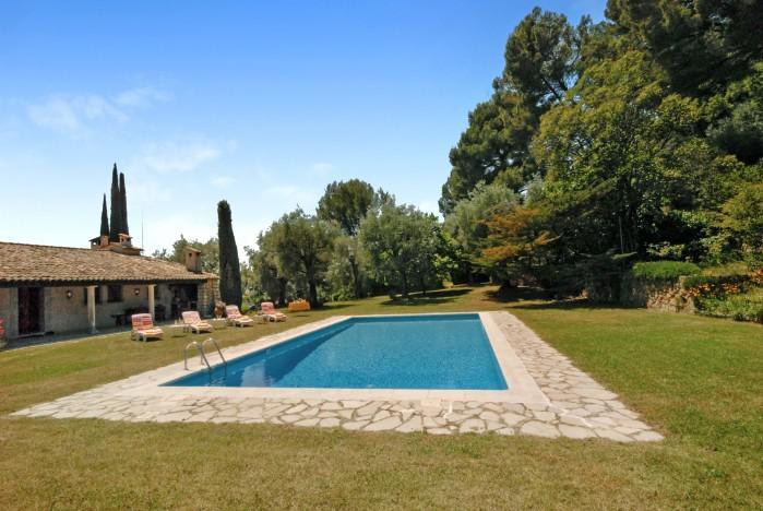 3 bedroom Villa in Grasse, Cote D Azur, France : ref 2017952 - Image 1 - Grasse - rentals