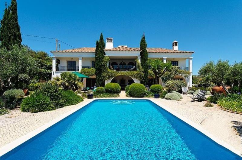 5 bedroom Villa in Vilamoura, Algarve, Portugal : ref 2022303 - Image 1 - Vilamoura - rentals