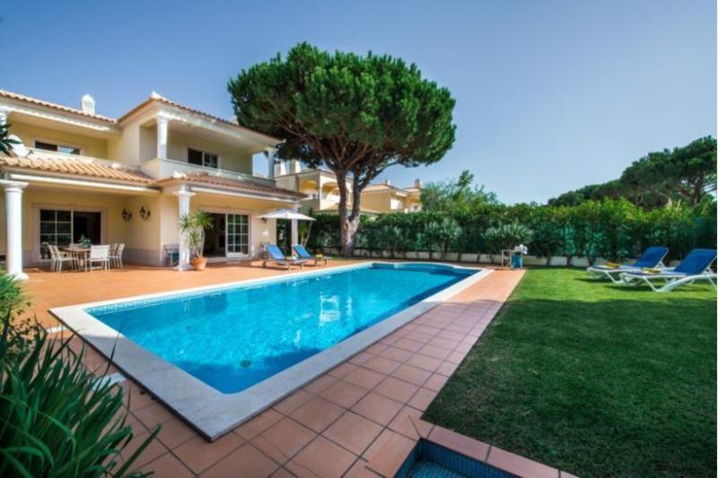 4 bedroom Villa in Vilamoura, Algarve, Portugal : ref 2022401 - Image 1 - Quarteira - rentals