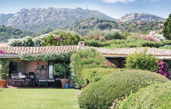 2 bedroom Villa in Porto Cervo, Sardinia, Italy : ref 2039254 - Image 1 - Cala di Volpe - rentals