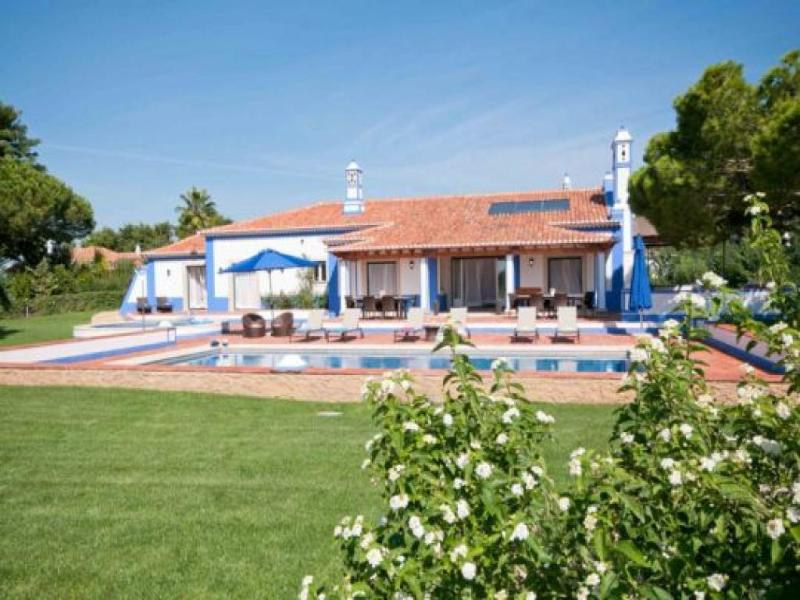 6 bedroom Villa in Olhos De Agua, Albufeira, Central Algarve, Portugal : ref 2086199 - Image 1 - Olhos de Agua - rentals