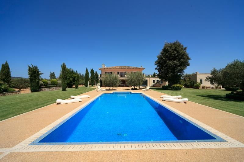 4 bedroom Villa in Sa Pobla, Near Pollenca, Mallorca, Mallorca : ref 2086237 - Image 1 - Sa Pobla - rentals