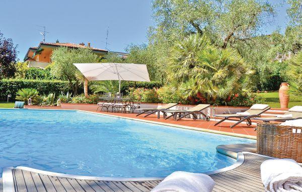 4 bedroom Villa in Lago di Garda, Northern Lakes, Lake Garda, Italy : ref 2089831 - Image 1 - Padenghe sul Garda - rentals