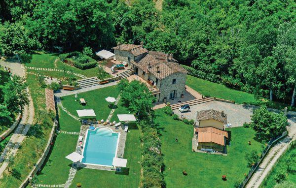 6 bedroom Villa in Arezzo, Tuscany, Arezzo / Cortona And Surroundings, Italy - Image 1 - Pieve al Bagnoro - rentals