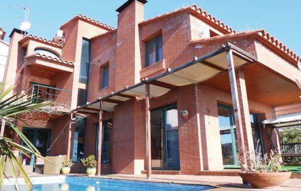 5 bedroom Villa in Canet de Mar, Catalonia, Spain : ref 2096006 - Image 1 - Canet de Mar - rentals