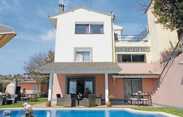 6 bedroom Villa in San Pol De Mar, Catalonia, Spain : ref 2096060 - Image 1 - Sant Cebria de Vallalta - rentals