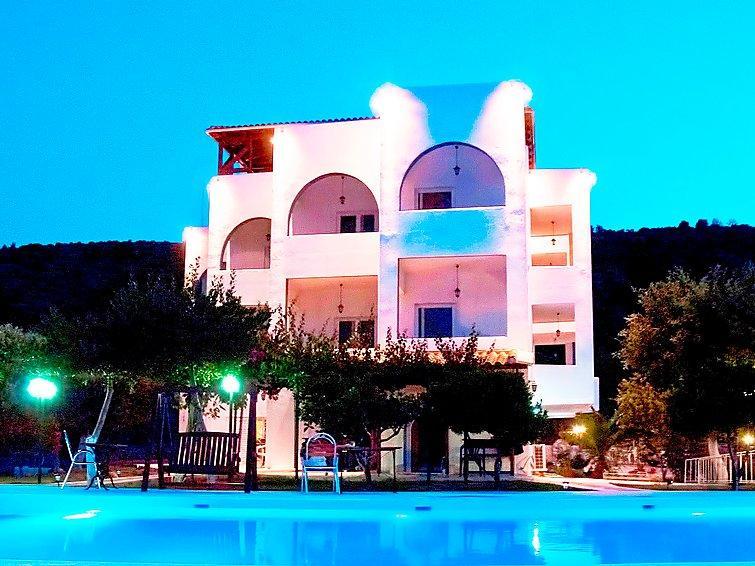 10 bedroom Villa in Marathonas, Atene, Greece : ref 2097990 - Image 1 - Agios Panteleimon - rentals