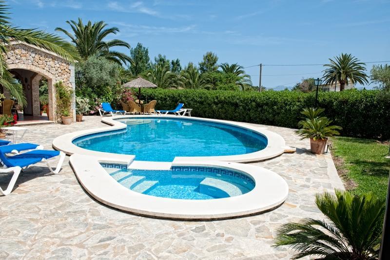3 bedroom Villa in Eu Madrava, Pollensa, Mallorca : ref 2132457 - Image 1 - Port de Pollenca - rentals