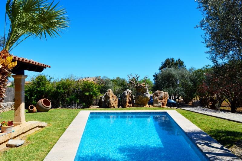 3 bedroom Villa in Eu Madrava, Pollensa, Mallorca : ref 2132461 - Image 1 - Port de Pollenca - rentals