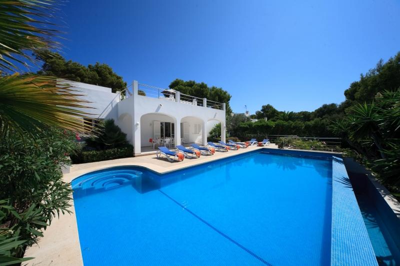 5 bedroom Villa in Cala D'or Centre, Cala d'Or, Mallorca : ref 2132472 - Image 1 - Cala d'Or - rentals