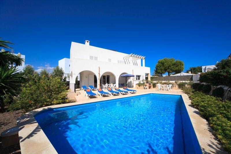 3 bedroom Villa in Cala D Or Marina, Cala D Or, Mallorca : ref 2132496 - Image 1 - Cala d'Or - rentals