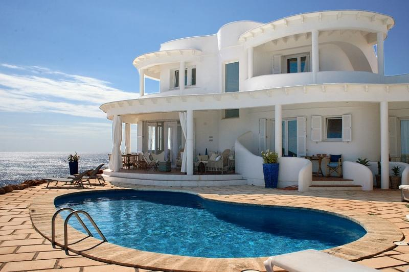 4 bedroom Villa in Punta Prima, Menorca, Menorca : ref 2132502 - Image 1 - Alcaufar - rentals