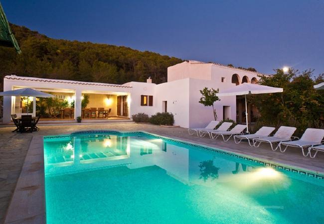 6 bedroom Villa in Sant Josep De Sa Talaia, Ibiza, Ibiza : ref 2132822 - Image 1 - Sant Josep De Sa Talaia - rentals