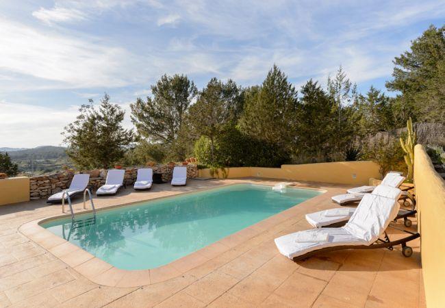 4 bedroom Villa in Sant Antoni De Portmany, Ibiza, Ibiza : ref 2132842 - Image 1 - Sant Antoni de Portmany - rentals
