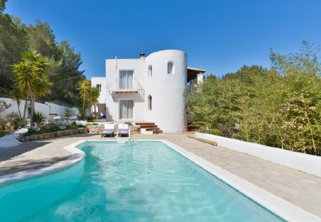 4 bedroom Villa in Santa Eulalia Del Rio, Cala Llonga, Ibiza, Ibiza : ref 2132930 - Image 1 - Santa Eulalia del Rio - rentals