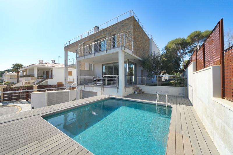 3 bedroom Villa in Alcudia, Playa De Muro, Mallorca, Mallorca : ref 2133007 - Image 1 - Alcudia - rentals
