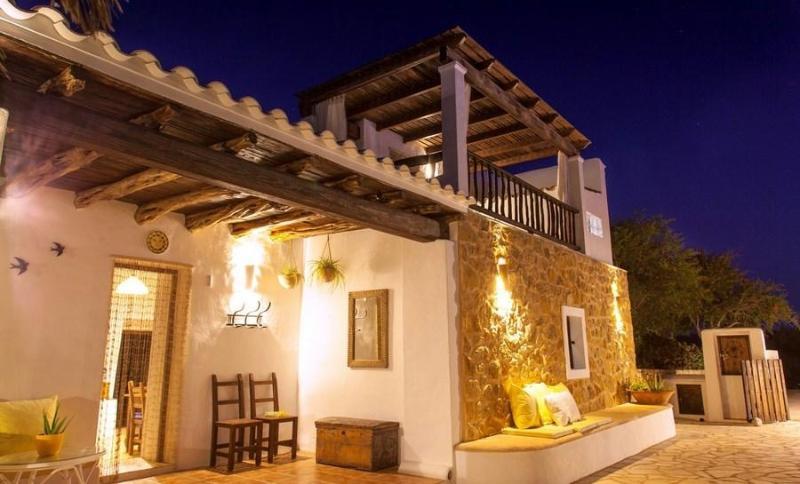 4 bedroom Villa in San Jose, Islas Baleares, Ibiza : ref 2133370 - Image 1 - San Jose - rentals