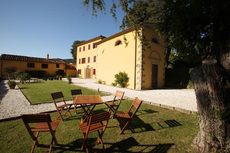 5 bedroom Villa in Massa e Cozzile, Italy : ref 2135175 - Image 1 - Massa e Cozzile - rentals