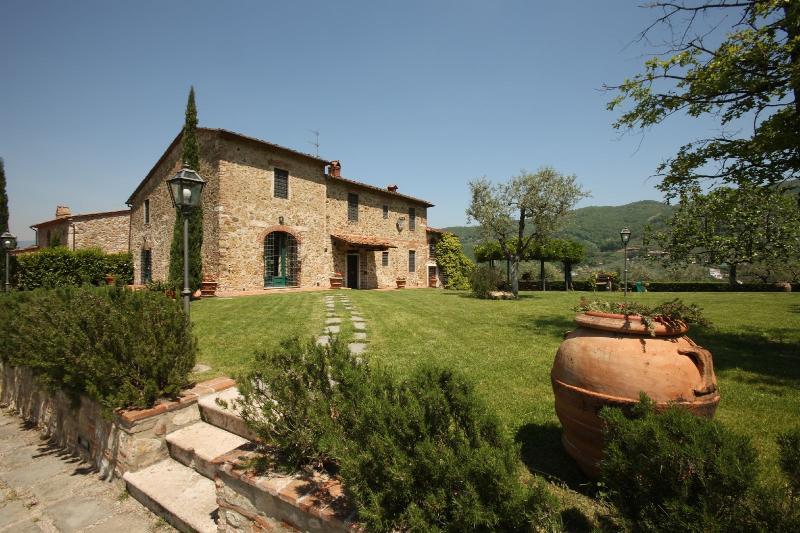 7 bedroom Villa in Monsummano Terme, Montecatini And Surroundings, Tuscany, Italy : ref 2135179 - Image 1 - Monsummano Terme - rentals