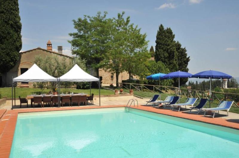 7 bedroom Villa in San Gimignano, Volterra And San Gimignano Surroundings, Tuscany, Italy : ref 2135230 - Image 1 - San Gimignano - rentals