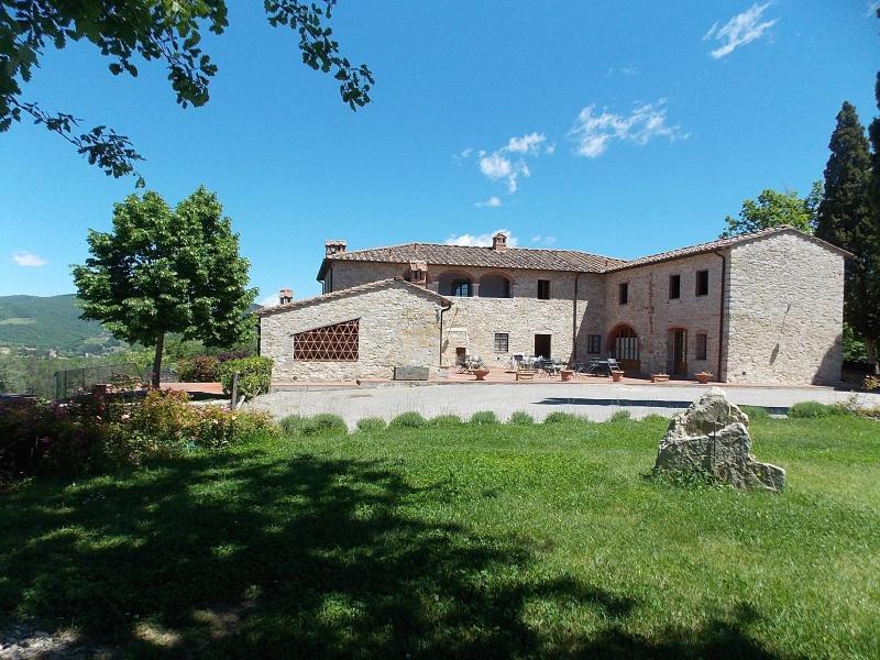11 bedroom Villa in Gaiole in Chianti, Chianti, Tuscany, Italy : ref 2135256 - Image 1 - Gaiole in Chianti - rentals