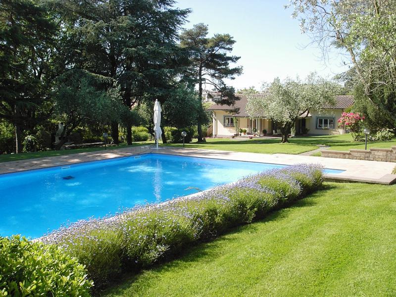 6 bedroom Villa in Bracciano, Roman Countryside, Lazio, Italy : ref 2135362 - Image 1 - Bracciano - rentals