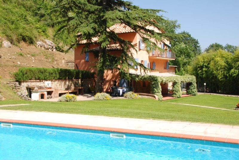 4 bedroom Villa in Camaiore, Versilia, Tuscany, Italy : ref 2135418 - Image 1 - Monteggiori - rentals