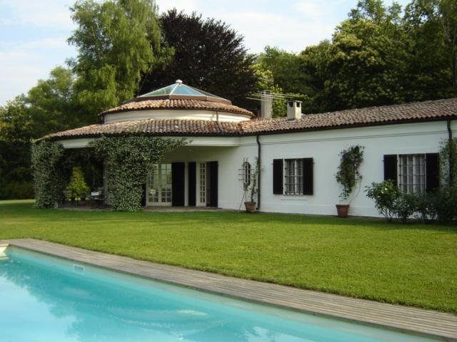 6 bedroom Villa in Dormelleto, Piedmont, Italy : ref 2135496 - Image 1 - Dormelletto - rentals