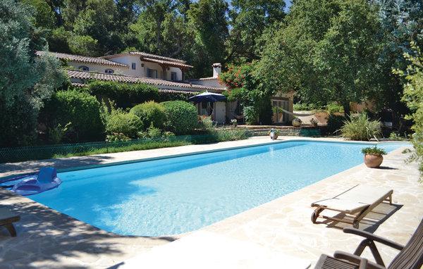 3 bedroom Villa in Cogolin, Var, France : ref 2185325 - Image 1 - Grimaud - rentals