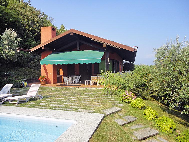 6 bedroom Villa in San Felice del Benaco, Lake Garda, Italy : ref 2216268 - Image 1 - San Felice del Benaco - rentals
