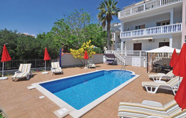 3 bedroom Apartment in Omis-Suhi Potok, Omis, Croatia : ref 2219033 - Image 1 - Krilo Jesenice - rentals